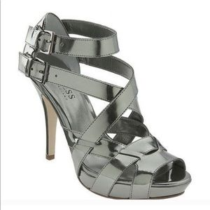 Metallic guess heels 5.5